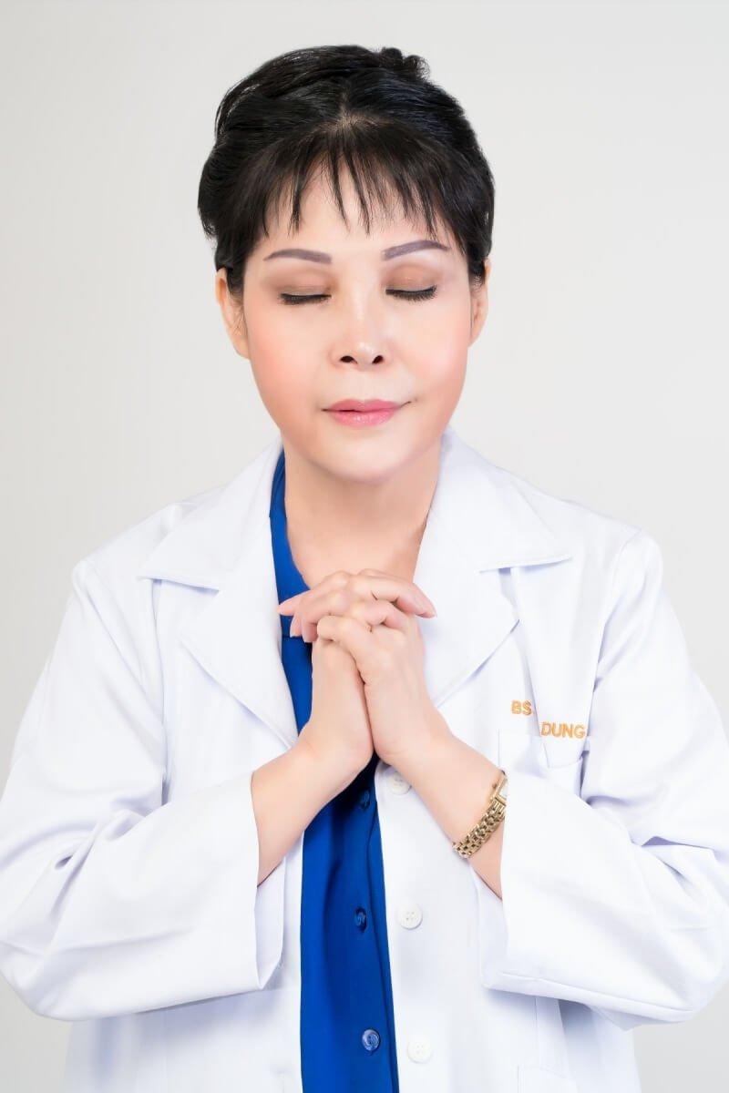 bác sĩ phẫu thuật thẩm mỹ