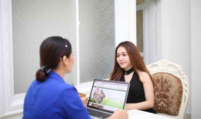 Thăm khám và tư vấn khách hàng