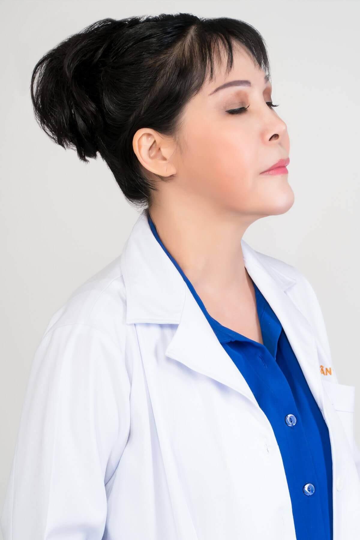 bác sỹ thẩm mỹ viện